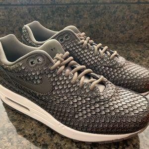 New women's Nike Air Max 1 PRM metallic size 7.5